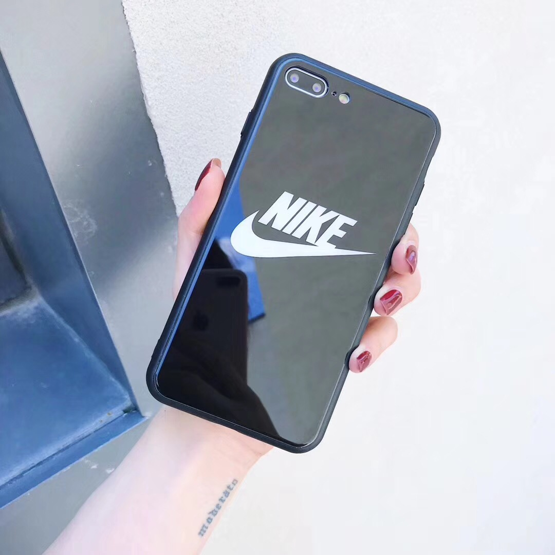 adidas iphone XR ケース